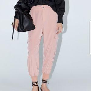 💕 NWT Zara pink flowy cargo pants